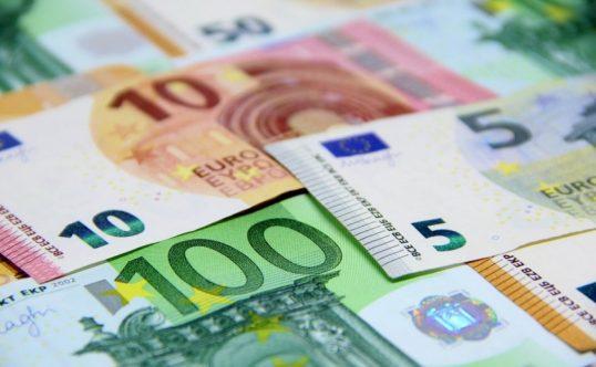 semnale comerciale pentru dolarul euro